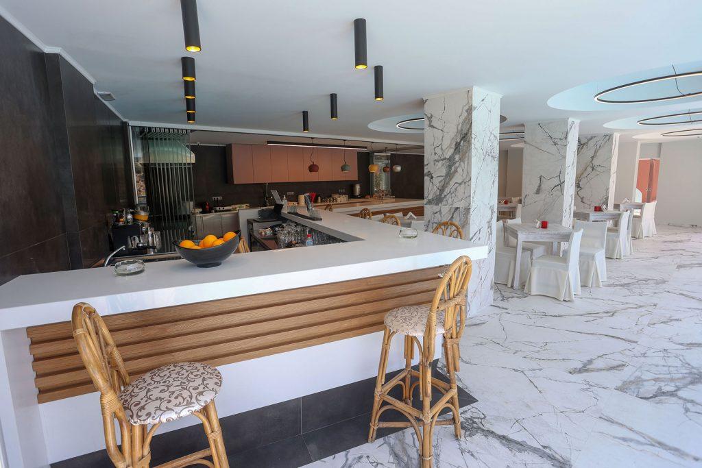 Petra Hotel – Αγία Γαλήνη